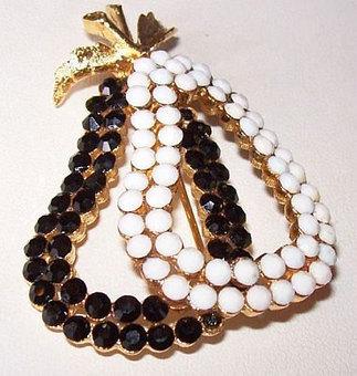 "Vintage CoroCraft Brooch Pin Black White Rhinestones Double Pear Fruit Design Gold Metal 2 1/4"" | vintage jewelry | Scoop.it"
