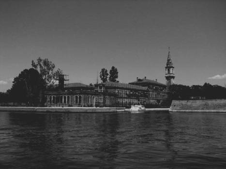 Poveglia: 'World's most haunted island' up for sale...is anyone brave enough to buy it? | Fractional Holiday Home Ownership | Scoop.it