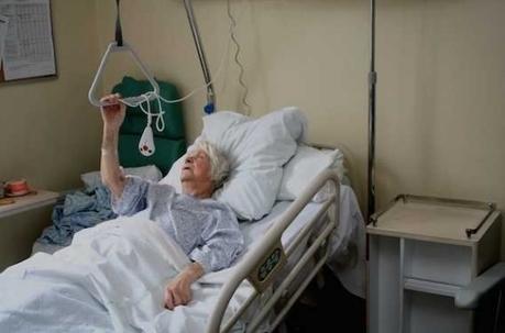 Fracture du col du fémur : 1 senior sur 4 décède un an après | 694028 | Scoop.it