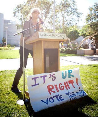 """""""Labeling it Ourselves"""": With Real Food Calculator, students take Prop 37 into their own hands 
