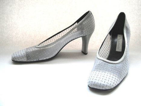 Vintage 1960s shoes Nina silver metallic pumps by TheVintageDomain | That One Perfect Fit | Scoop.it
