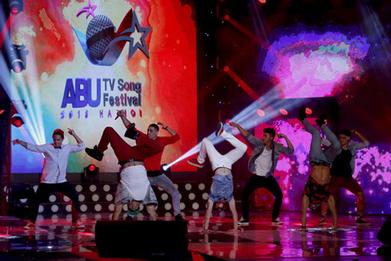Nhóm nhạc Justice Crew khuấy động ABU TV Song Festival 2013 - Dân Trí   Cung cấp band nhạc   Scoop.it