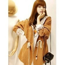 Tan Coat with Lace | Japanese Fashion | Scoop.it