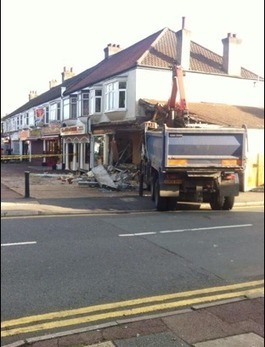 Construction lorry crashes into Essex shop | Transportation & Engines | Scoop.it
