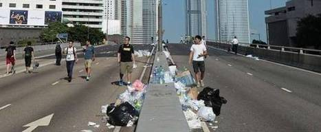 Hong Kong protests: Demonstrators clean up and recycle after night of clashes with police   Sustain Our Earth   Scoop.it