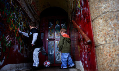 Living in poverty exerts a high cognitive toll on families | Teens And Poverty | Scoop.it