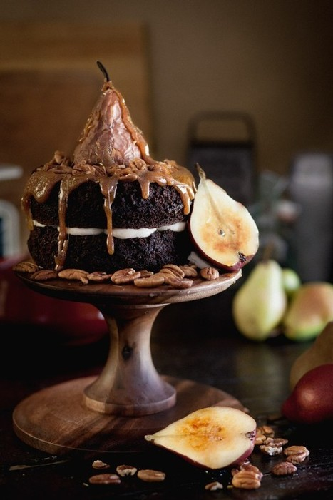 Spiced Chocolate Caramel Pear Cake | Chasing Delicious | À Catanada na Cozinha Magazine | Scoop.it