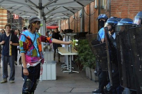 Les clowns ne font plus rire la police   Libertés Numériques   Scoop.it