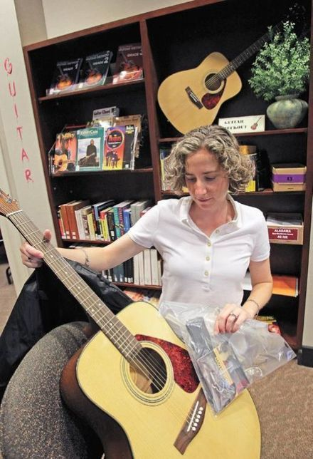 Need an acoustic guitar and a lesson? - Times Daily | Acoustic Guitars and Bluegrass | Scoop.it