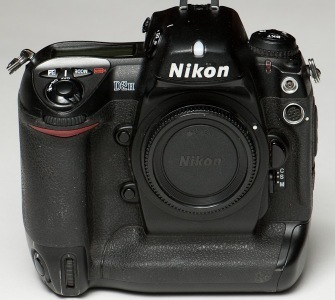 Nikon D2H goes to pieces « Bit Twiddler's Rant | Photography Gear News | Scoop.it