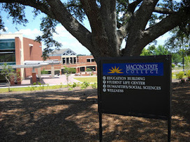 Walking to Retirement: A Walk at Macon State College | News & Blogs in Macon Middle Georgia | Scoop.it