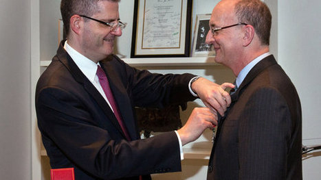 Met Director Peter Gelb Joins French Legion of Honor | Opera singers and classical music musicians | Scoop.it
