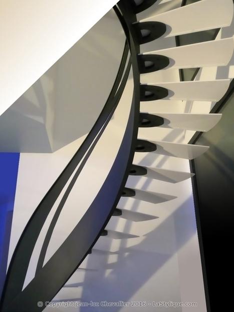 escalier design mobilier contemporain de style art nouveau. Black Bedroom Furniture Sets. Home Design Ideas