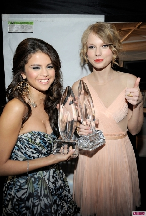 Selena Gomez Says Touring With BFF Taylor Swift Would Be 'a ... | Audio Arts Industries | Scoop.it