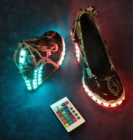 Zapatillas steampunk con LEDs « Nerdgasmo | Vulbus Incognita Magazine | Scoop.it