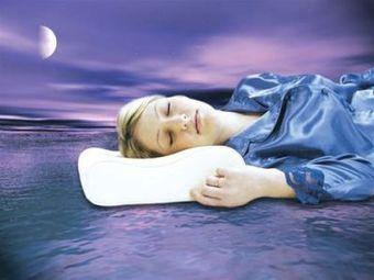 Buy Queen Memory Foam Pillow in Quebec, Canada | Backs2Beds.ca | Buy Online Office & Home Furniture at Backs2Beds.ca | Scoop.it