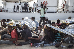 EU: Intolerable Inaction Costs Lives at Sea | Human Rights Watch | CRAKKS | Scoop.it