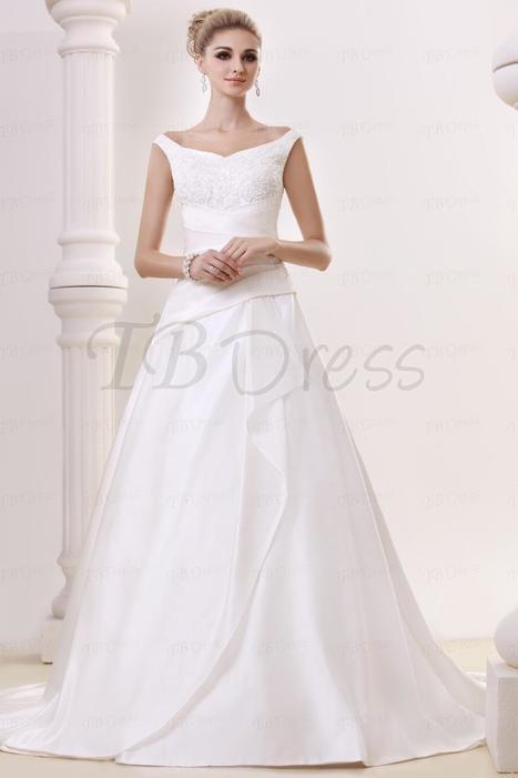 Amazing A-Line Straps Floor-length Chapel Appliques Vintage Dasha's Wedding Dress | la mode | Scoop.it