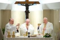 Papa: non ci sono chiacchiere innocenti, quando parliamo male ... - AsiaNews | Catholic | Scoop.it