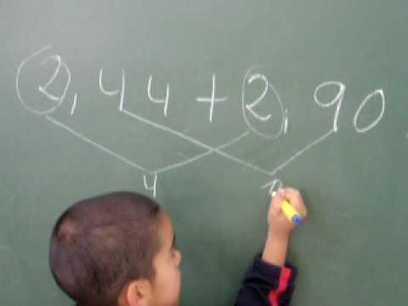 Darío suma decimales.MOV | Mates_mv | Scoop.it
