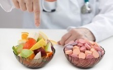 "NYC Allows Doctors to Prescribe Fruits and Veggies Instead of Pills (""eat full and get well"") 