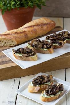 Vegan Mushroom Crostini with Rosemary Lemon Cashew Cream   My Vegan recipes   Scoop.it