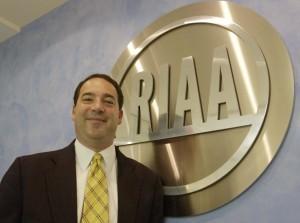 RIAA Sues Defunct Music Downloading Service 'LimeWire' For $72Trillion | Midnight Rambler | Scoop.it