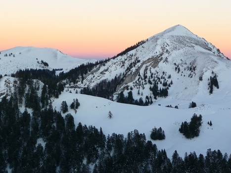 Au-dessus d'Ardengost. Loin de la foule, premier janvier, fin d'après-midi|Le blog de Michel BESSONE | Vallée d'Aure - Pyrénées | Scoop.it