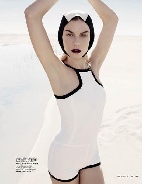 Angela Lindvall Wears Retro Swim in Catherine Servel's Vogue ...   Vintage and Retro Style   Scoop.it