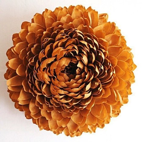 New Giant Flowers Painstakingly Crafted Out of Thousand of Paper Petals | Le It e Amo ✪ | Scoop.it