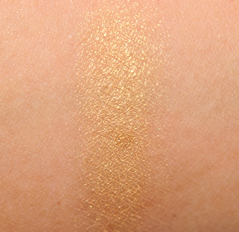 Chanel Pearl River Ombres Matelassees Eyeshadow Palette ... | TAFT: Trends And Fashion Timeline | Scoop.it