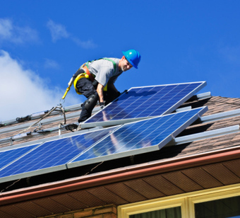 Tesla, SolarCity: Alternative Energy Plays Headed in Different Directions - 24/7 Wall St. | Energy | Scoop.it