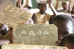 NotreAfrik – Ebola – Les enfants de Sierra Leone reçoivent leurs cours par la radio | Radio Hacktive (Fr-Es-En) | Scoop.it
