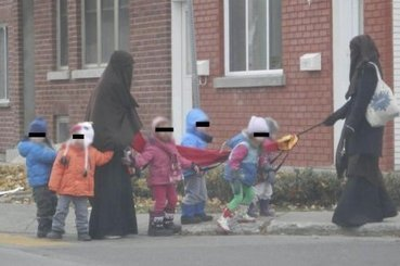 Garderies: la photo d'éducatrices en niqab créé des remous | KATIA GAGNON et TOMMY CHOUINARD | Éducation | 694028 | Scoop.it