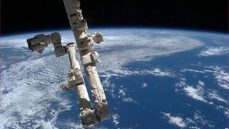 ISS threatened by possible mold and bacteria contamination | Twisted Microbiology | Scoop.it