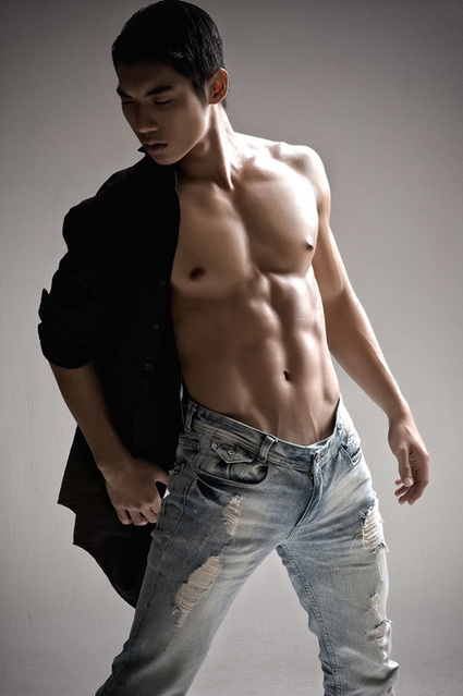The Hot Asian Hunk | Truong Nam Thanh | | FlexingLads | Scoop.it