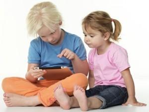 Pratiques numériques familiales, un sondage de l'observatoire Orange - Terra Femina - DeclicKids, applis enfants - catalogue critique d'applications iPad iPhone Android Web | Clic France | Scoop.it