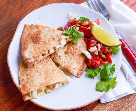 Easy Chicken Quesadilla - Hello Healthy   ♨ Family & Food ♨   Scoop.it