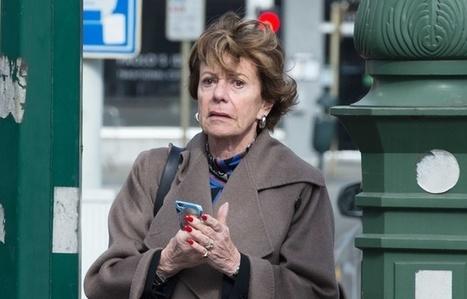 Commissaire européenne, elle dirigeait d'une société offshore... Neelie Kroes épinglée par les «Bahamas Leaks» | Magouilles blues | Scoop.it