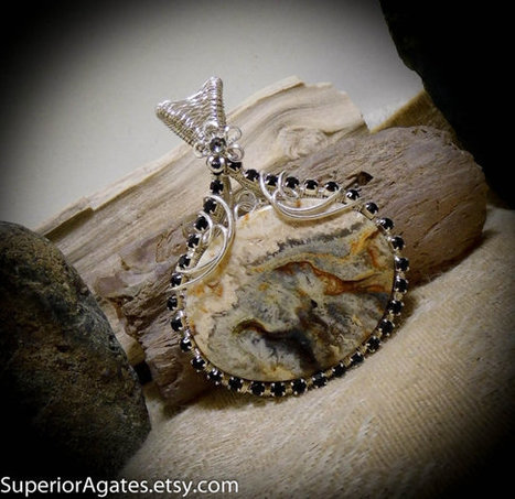 Graveyard Point Plume Agate Gemstone Necklace Pendant Wire Wrapped Stone | Wire Wrapped Stone | Scoop.it