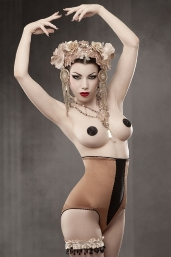 Vargas Panty Girdle by Kiss Me Deadly in Girdles and Shapewear | VIM | Scoop.it