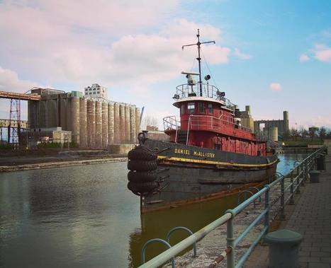 Canada: Tug boat and grain elevators in Montréal's old port | Grain Elevators | Scoop.it