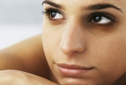 5 Simple Ways To Remove Dark Circles Completely - Healthy Talk | Health and Fitness | Scoop.it