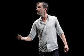 Réparer les vivants, mise en scène Sylvain Maurice, avec Vincent Dissez et Joachim Latarjet   Revue de presse théâtre   Scoop.it