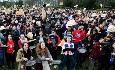 Flipping amazing: 900 students set new pancake tossing world record   UKHigherEd   Scoop.it