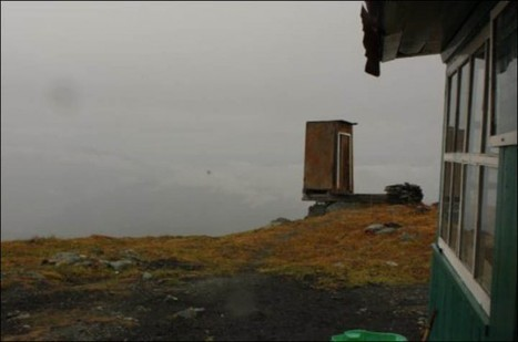 How Bad Do You Have to Go? Extreme Toilet Perched on a Cliff in Siberia | Strange days indeed... | Scoop.it