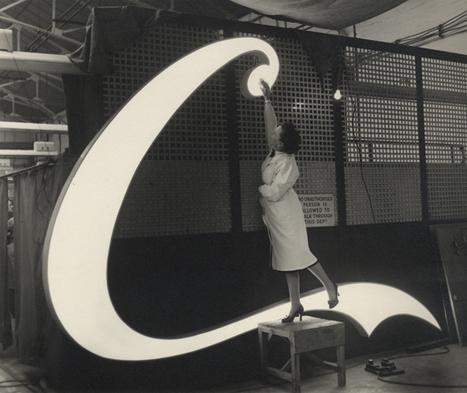 Inspirations, elunami: The making of a Coca-Cola neon signfor... | El valor de las marcas | Scoop.it