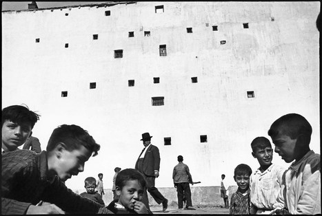 How Henri Cartier-Bresson Invented Modern Street Photography | Photography Online | Scoop.it
