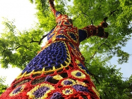 artist Carol Hummel crochets the world and I love it. | weird. but I like it. | Scoop.it
