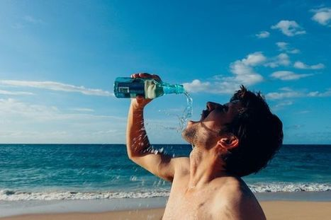 Those who drink more water eat less sugar, sodium and saturated fat | Water for your great health. | Scoop.it